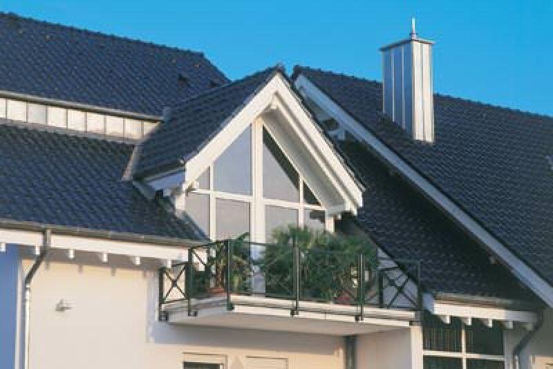 Dachaufstockung, Dachaufsattelung, Aufstockung, Aufsattelung, Dachwohnung, Steildach, Bausubstanz, Flachdach, Flachdächer, Bebauungsplan, Dachform, Dachneigung, Dachaufbau, Dachziegel, Dachpfannen