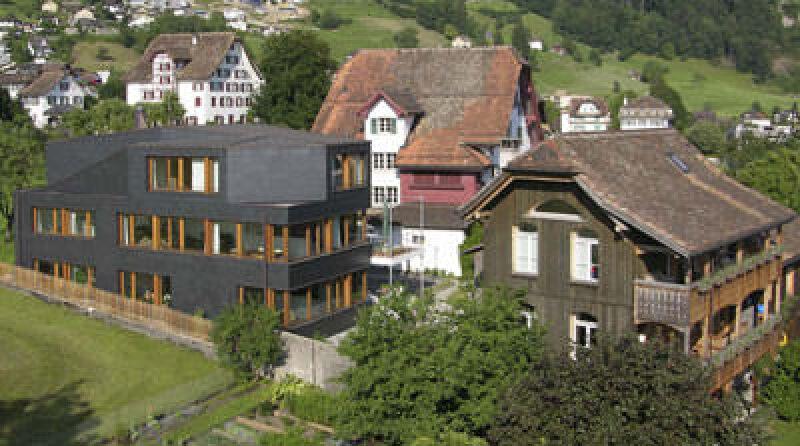 Fachtagung, Architektur, Fachwerkhäuser, traditioneller Baustil, dörflicher Kontext, denkmalgeschützte Strukturen