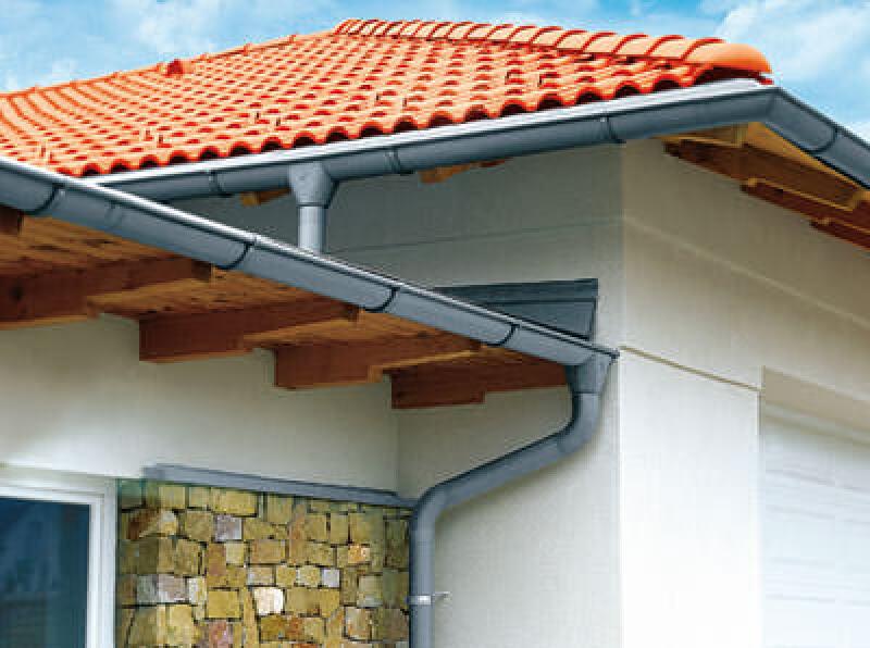 verlötete Dachrinne, weichgelötet, Dachentwässerung, Sanierung, Verbindung von Dachrinnen, Zinkrinne, Metalldachrinne