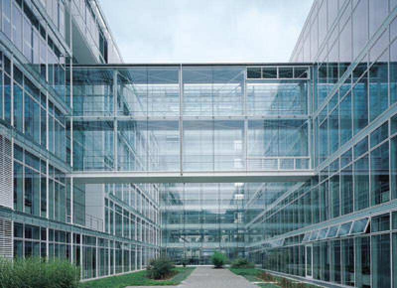 Energieoptimiertes Bauen, EnOB, Energieeffizienz, Nullemissionsgebäude, Gebäude der Zukunft, Energieeinsparpotenzial, Sanierung, Bautechnik, technische Gebäudeausrüstung