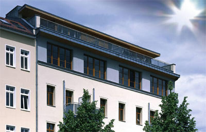 Fotokatalyse, Fassadenfarbe, Fassadenanstrich, Acrylfarbe, Photokatalyse, selbstreinigende Fassadenfarbe, Titandioxid, Acryl-Fassadenfarben, Selbstreinigung