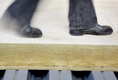 Flachdachdämmung, Flachdächer, Flachdachdämmplatte, Flachdach, Flachdachdämmplatten, Dämmplatten, Steinwolle-Dämmstoffe, Dämmstoffe, Steinwolle-Dämmstoff, Dämmstoff, Verbundplatte, Dachbahn, Megarock, Dämmplatte, Dachaufbau