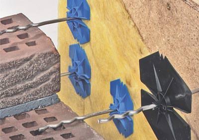 Luftschichtanker, verklinkertes Holzhaus, Holzrahmenbauweise, Holzständerbauweise, Fertighaus verklinkern, Klinkerfassade, Holzrahmenbau, Holzständerbau, mehrschaliges Mauerwerk, bauaufsichtliche Zulassung, dreischalige Außenwand, Drahtanker