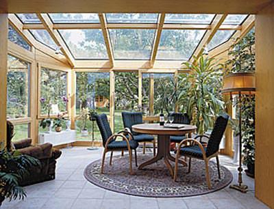 holz ist trumpf auch im wintergarten holzwintergarten. Black Bedroom Furniture Sets. Home Design Ideas