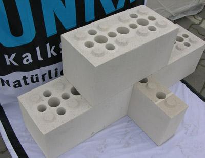 rastermauerbl cke aus ks bauen wie mit legosteinen kalksandsteinmauerwerk wie legosteine. Black Bedroom Furniture Sets. Home Design Ideas