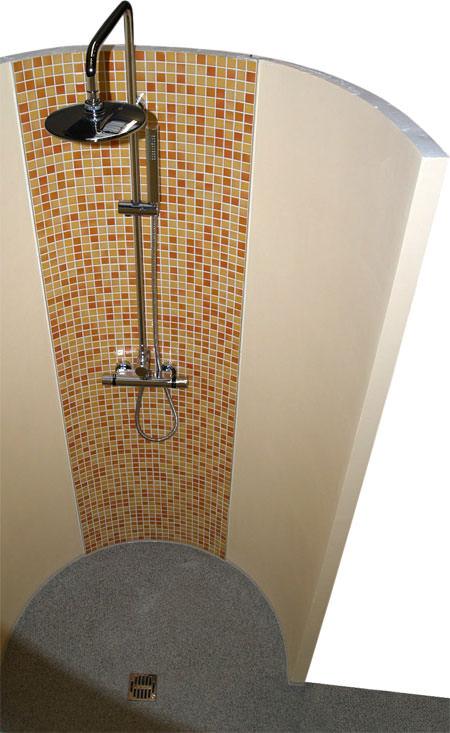 do it rund und schneckenduschen runde bauplatte als duschwand duschabtrennung. Black Bedroom Furniture Sets. Home Design Ideas