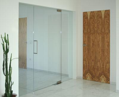 Tür weiß mit zarge  Purismus pur(o): Wandbündige Innentür mit unsichtbarer Türzarge ...