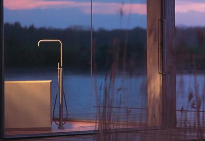 geradlinige armatur f r freistehende wannen verchromte armaturen. Black Bedroom Furniture Sets. Home Design Ideas