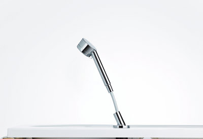 aufrollautomatik vermeidet schlauchsalat am wannenrand. Black Bedroom Furniture Sets. Home Design Ideas
