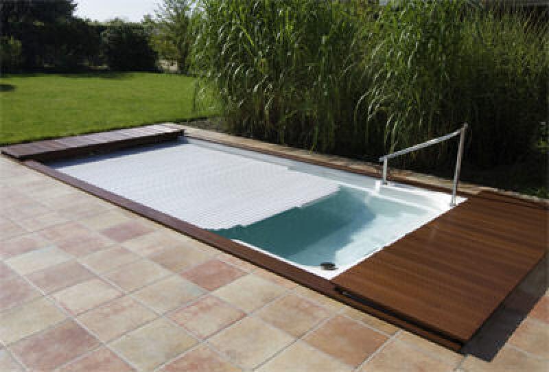10 regeln auf dem weg zum eigenen swimmingpool. Black Bedroom Furniture Sets. Home Design Ideas