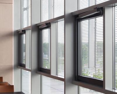 Notfallszenarien im geze rwa systemhaus auf der fensterbau for Fenster frontale