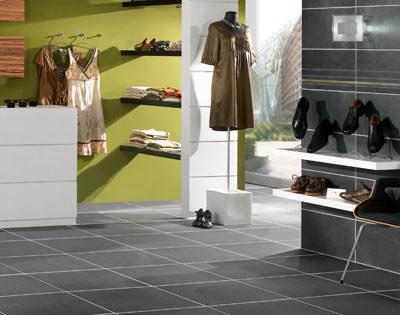 keramikfliesen als integraler bestandteil moderne. Black Bedroom Furniture Sets. Home Design Ideas