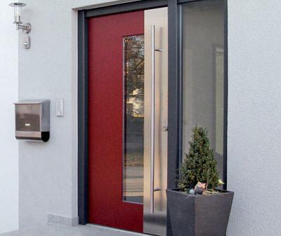 neue holz alu und kunststoff haust ren von gugelfuss. Black Bedroom Furniture Sets. Home Design Ideas