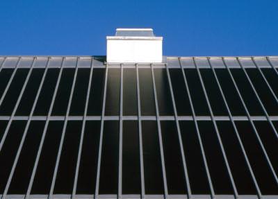 geb udeintegrierte photovoltaik auf stahlblech an dach und. Black Bedroom Furniture Sets. Home Design Ideas