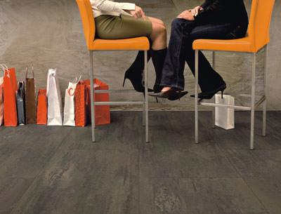 Fußboden Planken ~ Strapazierbare pvc designfliesen kollektion von armstrong vinyl