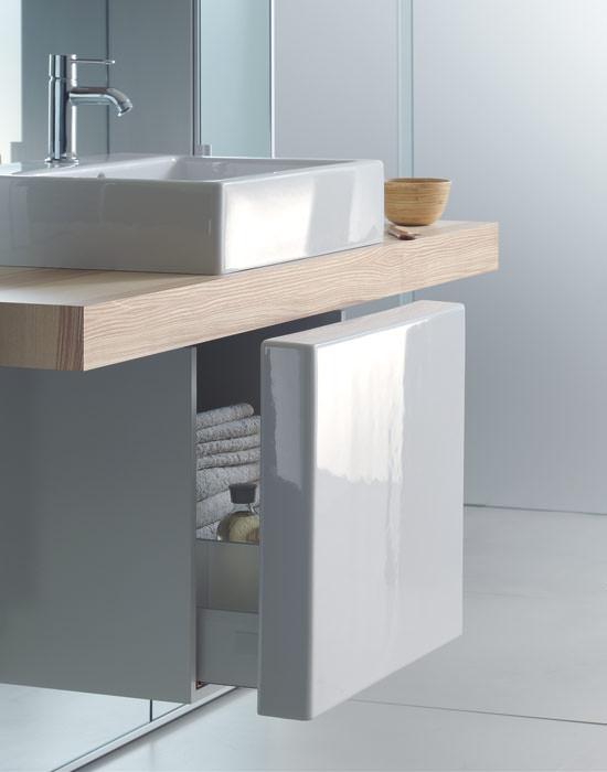 spieglein spiegel spiegelschrank mirrorwall an der wand. Black Bedroom Furniture Sets. Home Design Ideas