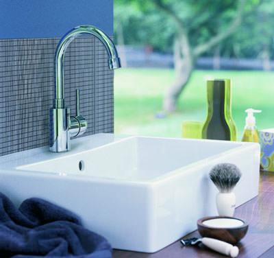 hoheiten am waschtisch hohe waschtisch armaturen mit hohem auslauf. Black Bedroom Furniture Sets. Home Design Ideas