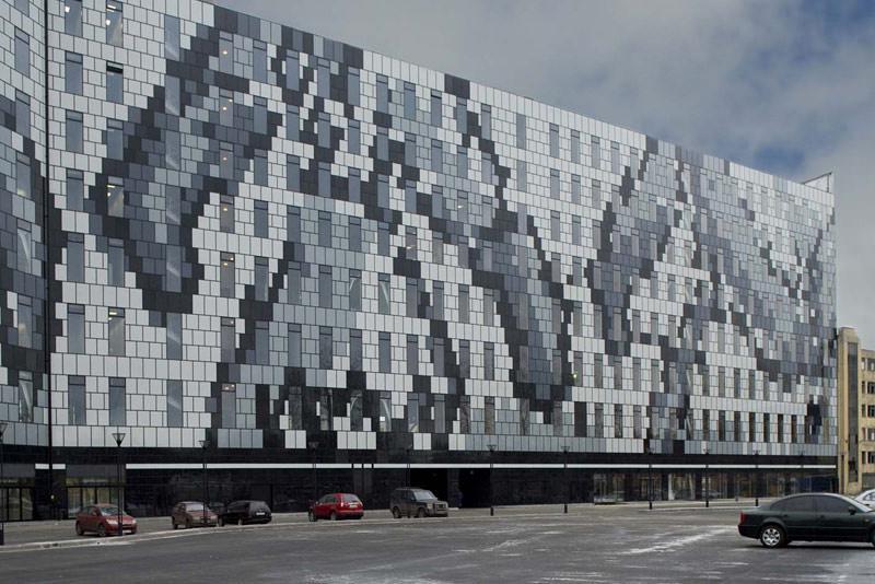 Glasfassade bunt  Glasbedruckung mit Okacolor läßt Tradition auf Moderne treffen ...