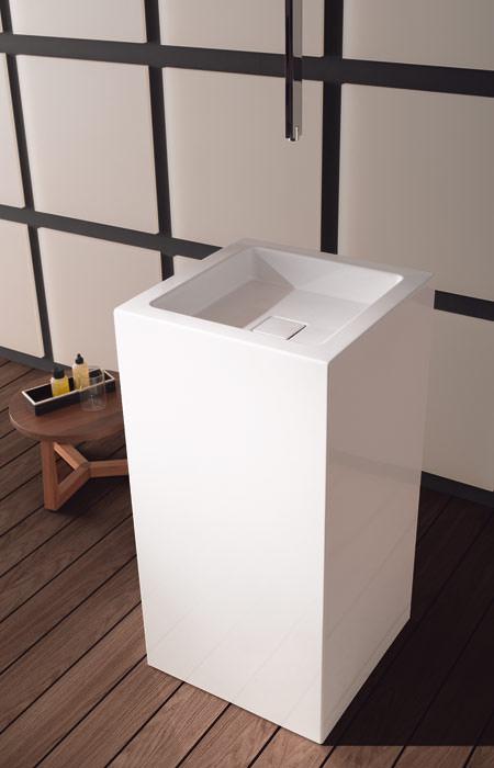 kubismus pur alape becken im quadrat q becken ein quadratisches kubisches waschbecken. Black Bedroom Furniture Sets. Home Design Ideas