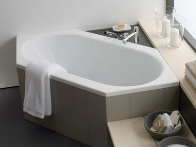 laufen wannen f r individuelle badezimmer eckbadewannen einbaubadewannen und raumsparbadewannen. Black Bedroom Furniture Sets. Home Design Ideas