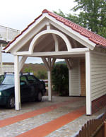 holzcarports bogen gr n ziegeldach offener carport. Black Bedroom Furniture Sets. Home Design Ideas