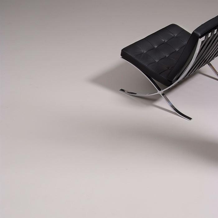 uni walton bauhaus klassiker in neuen graut nen graues. Black Bedroom Furniture Sets. Home Design Ideas