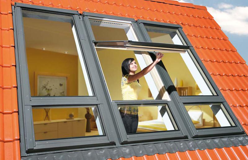 2 meter dachfenster mit hochgesetzter schwingachse. Black Bedroom Furniture Sets. Home Design Ideas