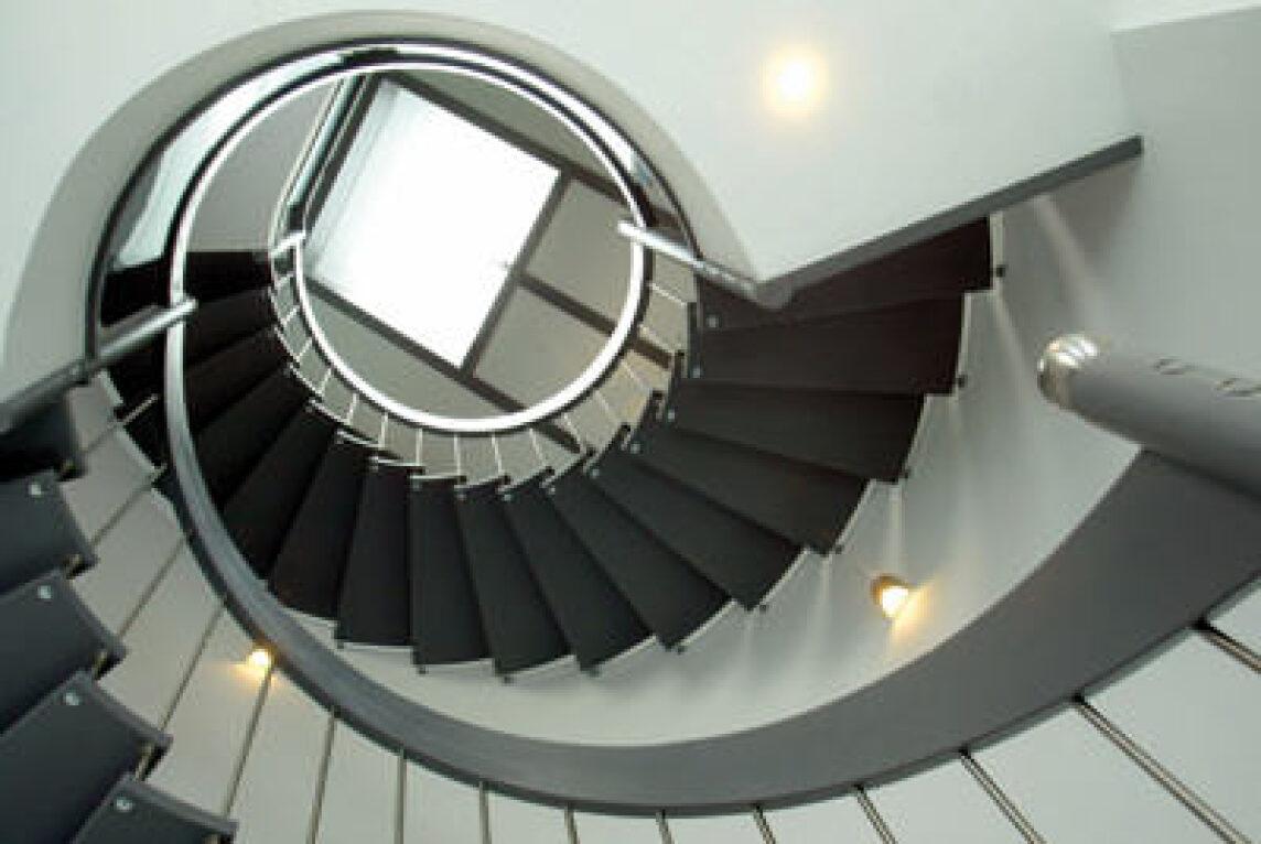 8 tipps zur planung und ausf hrung von wohnungstreppen steigungsverh ltnis im treppenbau. Black Bedroom Furniture Sets. Home Design Ideas
