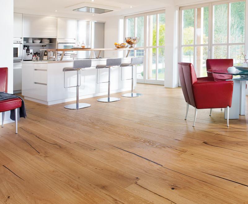 haros neuheiten feuerwerk auf der bau mit u a korkboden. Black Bedroom Furniture Sets. Home Design Ideas