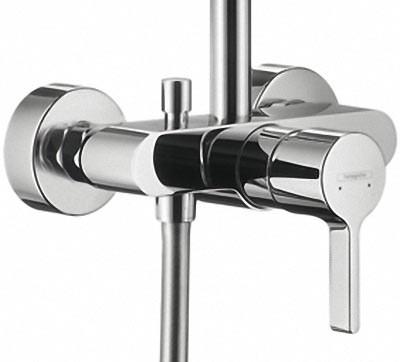 neue showerpipes von hansgrohe zur ish mit kopfbrause und handbrause. Black Bedroom Furniture Sets. Home Design Ideas