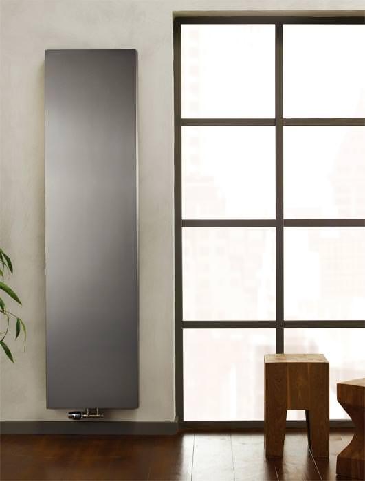 vertikalheizk rper im fokus von purmo denk vertikal hohe schmale w rmek rper aus edelstahl. Black Bedroom Furniture Sets. Home Design Ideas