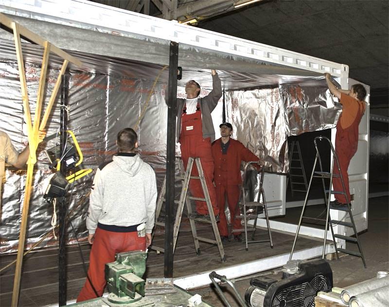 container von der hochsee zur hochschule f r studentische arbeitsr ume seecontainer umbauen. Black Bedroom Furniture Sets. Home Design Ideas