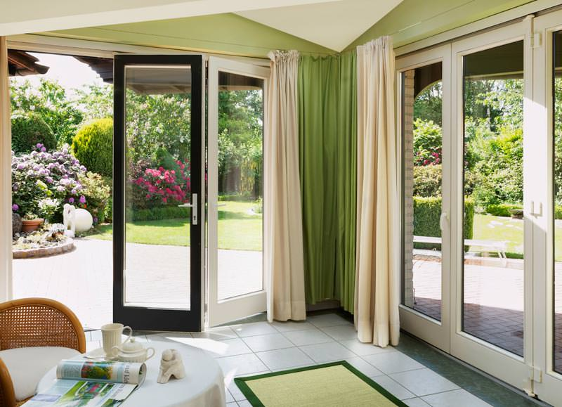 ventana falten f r mehr architektur falt schiebe t r pvc faltanlage. Black Bedroom Furniture Sets. Home Design Ideas