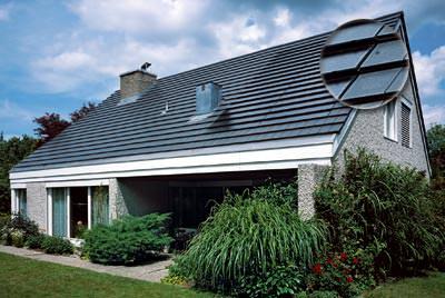 photovoltaik f rs ziegeldach fl chenb ndig und. Black Bedroom Furniture Sets. Home Design Ideas