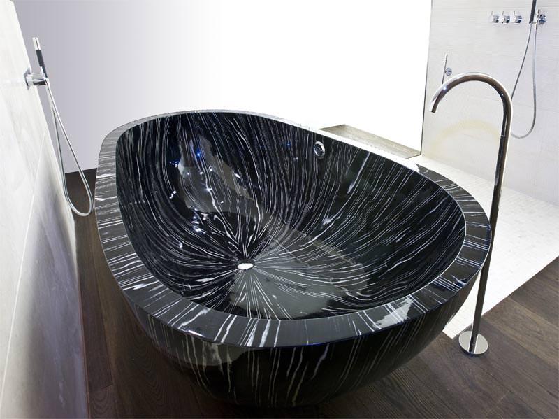 drei neue exklusive holz badewannen von bagno sasso. Black Bedroom Furniture Sets. Home Design Ideas