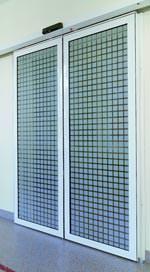 transparenter brandschutz mit automatischer ffnung automatische brandschutzschiebet r. Black Bedroom Furniture Sets. Home Design Ideas