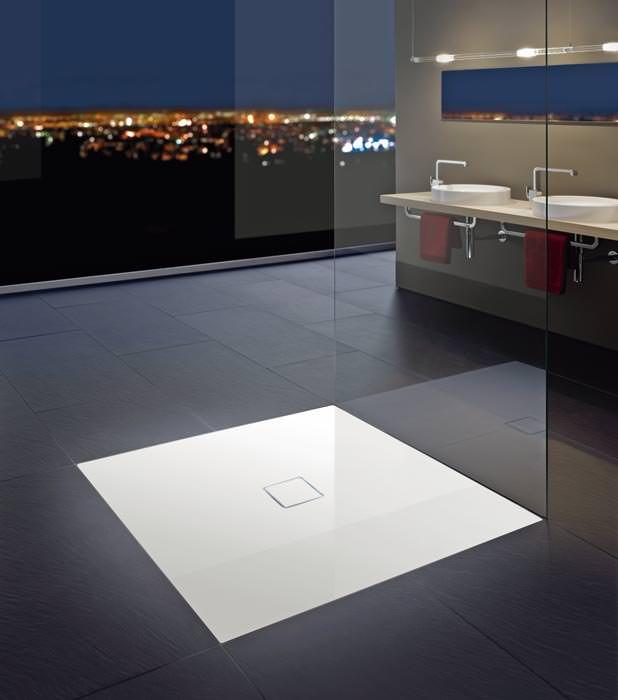 extrem flache duschteller f r offene lifestyle b der plano dusche. Black Bedroom Furniture Sets. Home Design Ideas