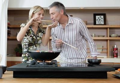 kampagne f r kochen mit gas gasinstallation. Black Bedroom Furniture Sets. Home Design Ideas