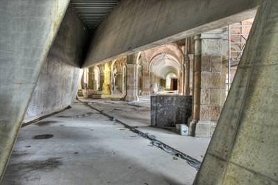 Schräge Wände libeskinds betonkeil durchs mhm in dresden