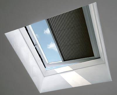 Flachdachfenster mit Verschattung