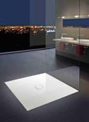 extrem flache duschteller f r offene lifestyle b der plano dusche f r superflache duschfl chen. Black Bedroom Furniture Sets. Home Design Ideas