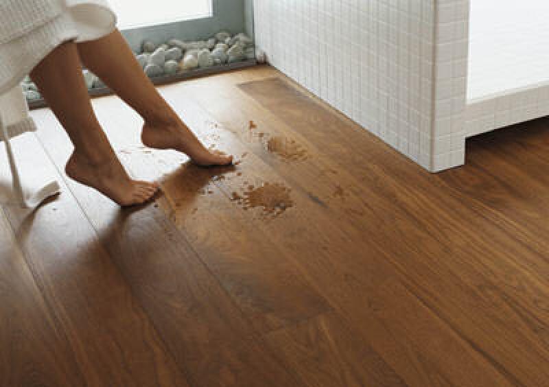 parkett erobert bad und küche | parkettboden im barfuß-bereich