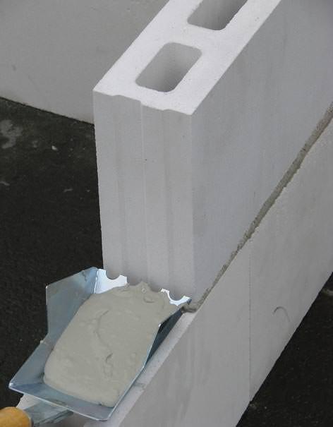 drei kalksandsteinwerke als unika kalksandstein westfalen gmbh auf der deubau. Black Bedroom Furniture Sets. Home Design Ideas
