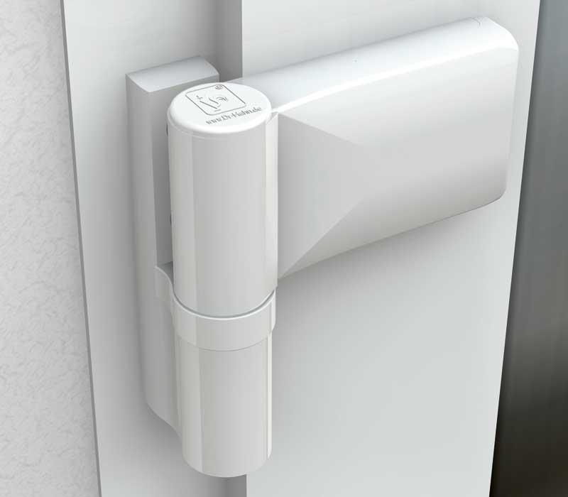 neue t rband befestigung soll sich verbeulende kunststofft ren verhindern. Black Bedroom Furniture Sets. Home Design Ideas