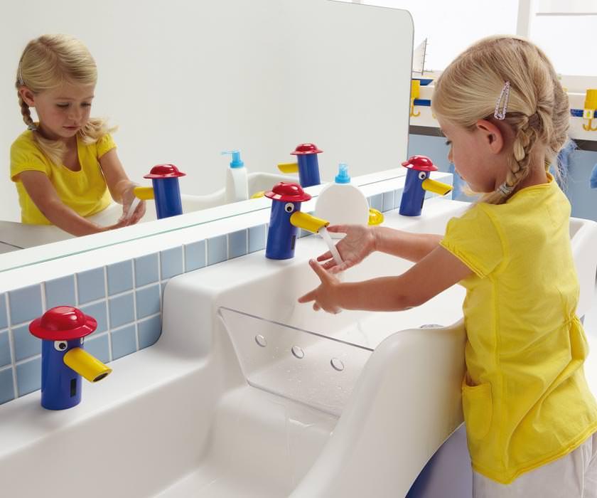 4bambini neue waschrinne f r kinderg rten kinderwaschbecken kinderwaschtisch mit. Black Bedroom Furniture Sets. Home Design Ideas