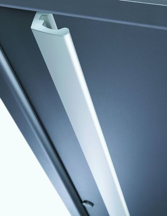 neue design griffe f r aluminium haust ren. Black Bedroom Furniture Sets. Home Design Ideas