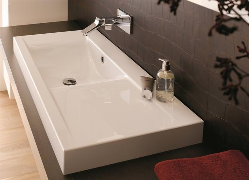Neue Bette-Waschtischserie orientiert sich am Schwung einer Welle | {Doppelwaschtisch welle 1}