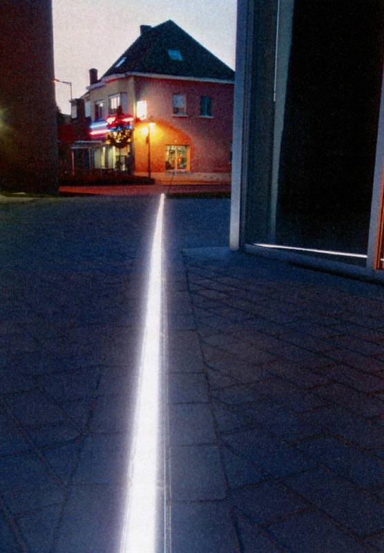 schlitzrahmenentw sserung mit integrierter led beleuchtung schlitzrinne mit led st ben. Black Bedroom Furniture Sets. Home Design Ideas