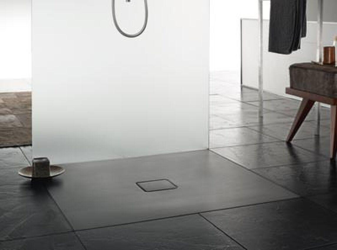 sieben neue farben f r bodengleiche duschen von kaldewei schwarze duschfl chen graue duschtassen. Black Bedroom Furniture Sets. Home Design Ideas