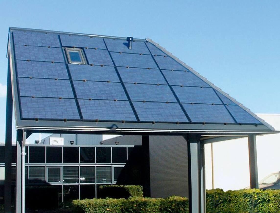 """Neues Solar-Energiedach von Wolf vermeidet """"Flickenteppich"""""""